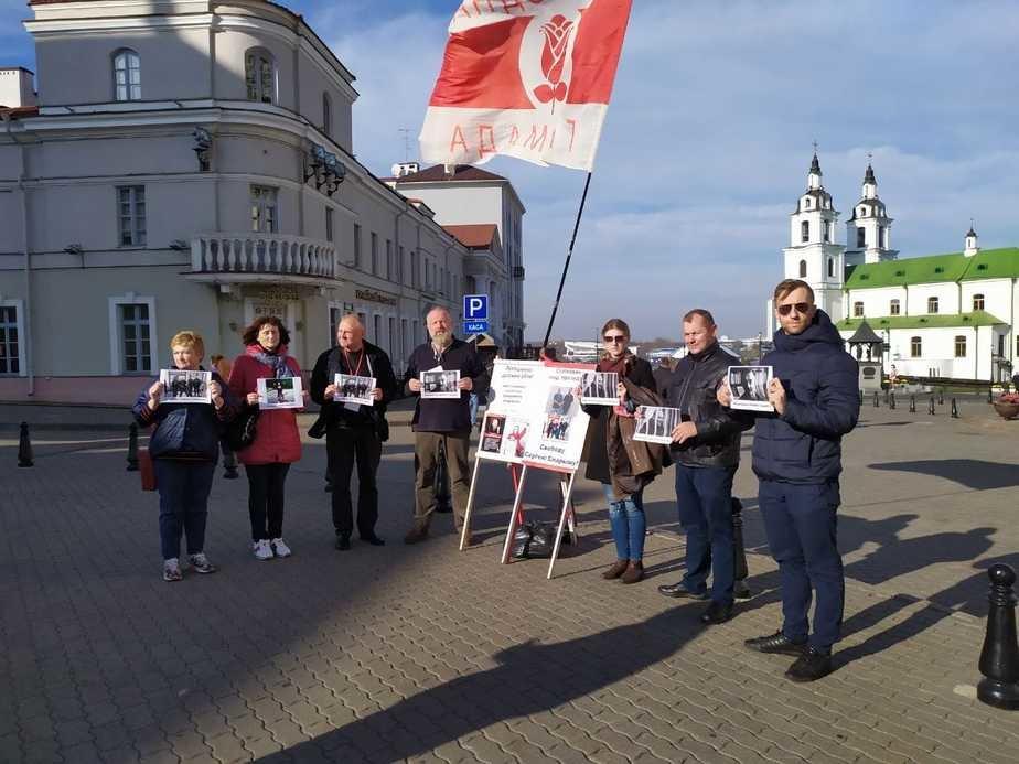 Статкевич провел пикет в центре Минска